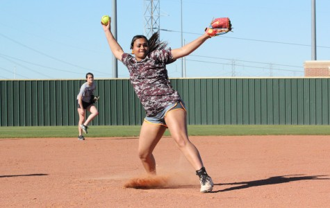 Varsity Softball Girls Compete in Area Round Playoffs
