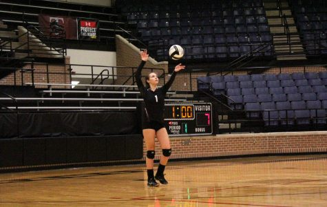 Varsity Volleyball Loses Against Lake Ridge