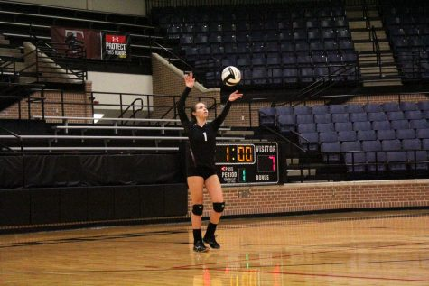 Varsity Volleyball Loses to Burleson