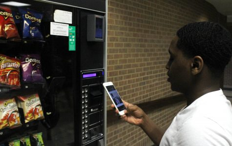 Snack Vending Machines Upgrade to New Forms of Payment