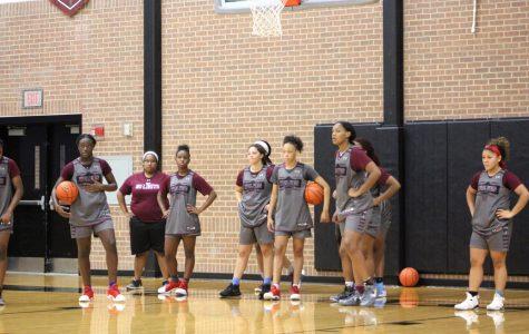 Basketball Girls Get Early Start on Season