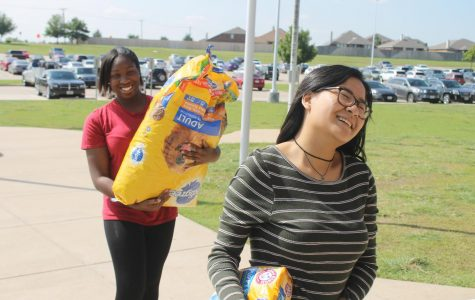 Community Donates to Hearts Out to Harvey