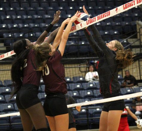 Varsity Volleyball Loses Against Legacy
