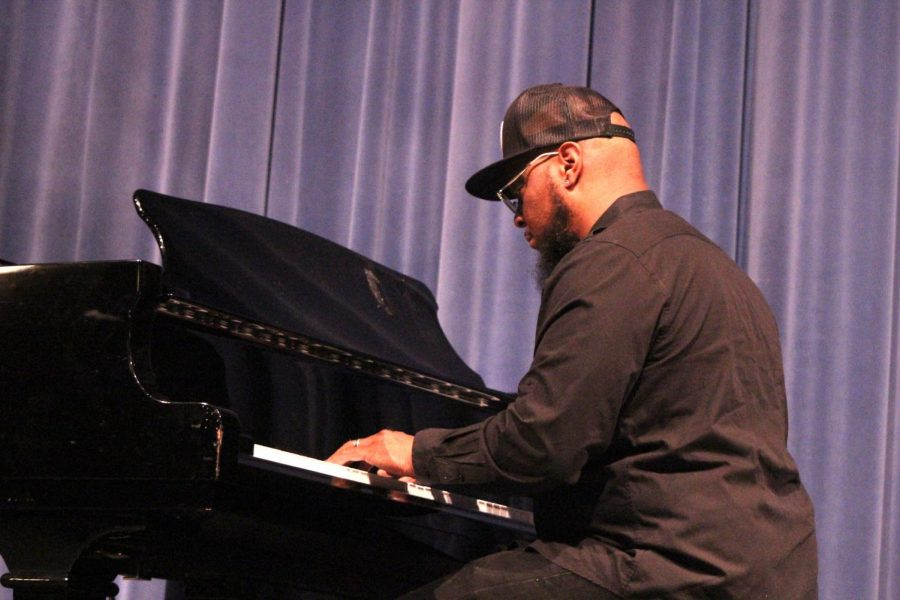 Grammy Winner Meets with Band, Choir Students