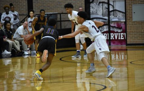 Boys Basketball Heads to Second Round of Playoffs
